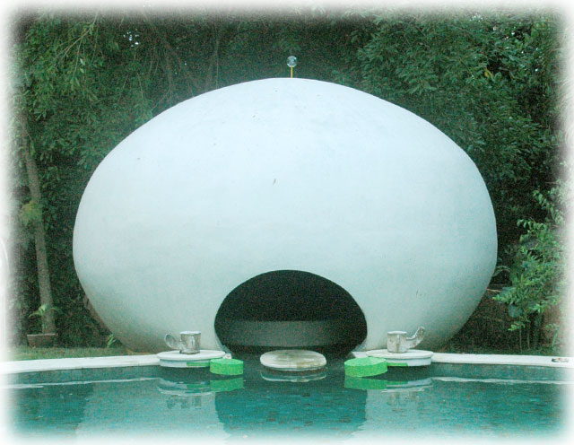 Hydrophonic Dome to Meditate with the Sound of Water